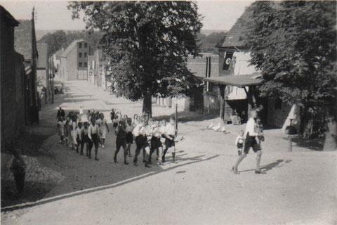Spielmannszug durchs Dorf hier Schmiedegasse