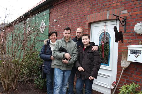 Merlin lebt bei Martina und Andreas mit den Kindern in Bochum.