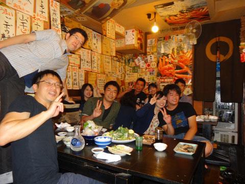 山盛りのお刺身とおいしい日本酒