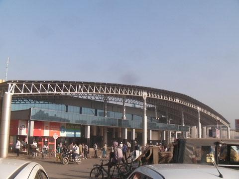 Raipur駅前の風景
