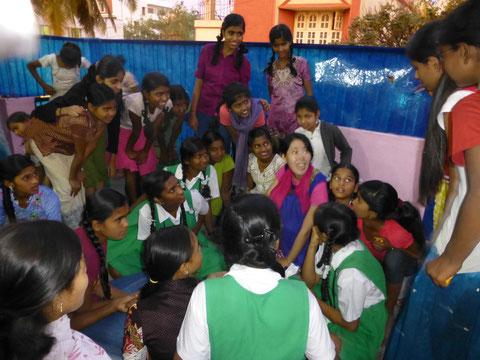 支援活動を行っている孤児院を訪問