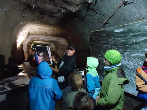 Der NV Wölflinswil organisierte für den Jugendclub Pirol eine Exkursion zum Bergwerk in Herznach (16.09.17)