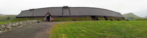 Rekonstruierte Fürstenhaus auf der ehemaligen Wikingersiedlung in Borg