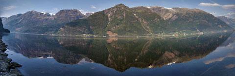 Odda-Fjord mit Sicht auf den Folgefonna-Nationalpark