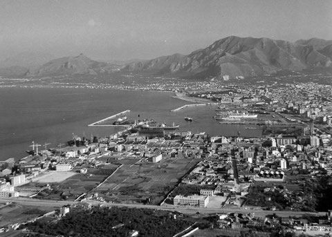 Panoramic picture of Palermo, 1952