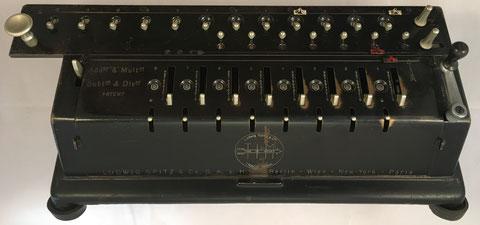 TIM (Time Is Money) modelo II (8x12x7), s/n 6506, capacidad 8x7x12, hecho por Ludwig Spitz & Co, GmbH (Berlin-Tempelhof, Alemania), año 1907, 43x15x18 cm