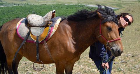 Béatrice et Gérome à cheval jusqu'au lac bleu