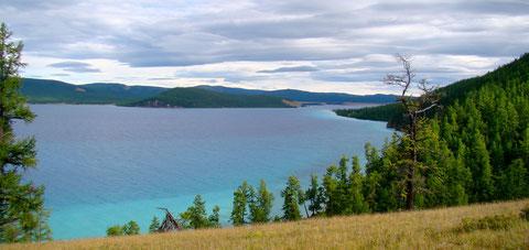 Les eaux bleu du lac Khuvsgul
