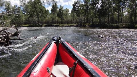 Canoe Raft descente de rivière en Mongolie