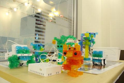 KOOVロボットプログラミング教材の展示光景