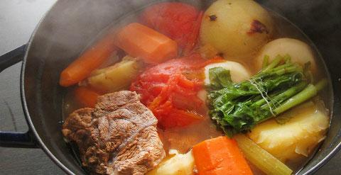 ペレットストーブで鍋料理