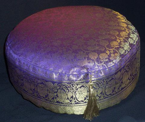 Meditationskissen   LEYLAK  -Ein Traum in Gold-Violett