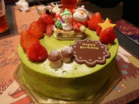 ちなみに23日はパパさんの誕生日でした♪なのでクリスマスと一緒に祝っちゃいますww抹茶は生クリームよりあっさりしてて美味しかったよ~^0^