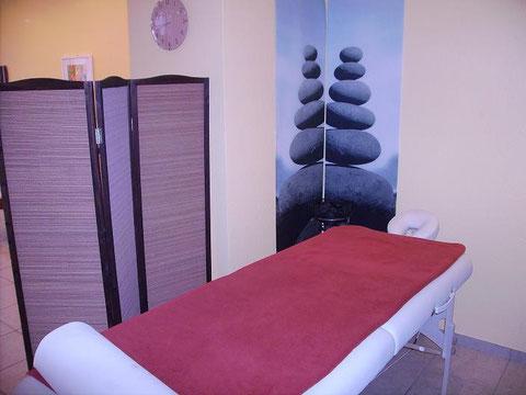 Behandlungsliege für Hot-Stone Massage