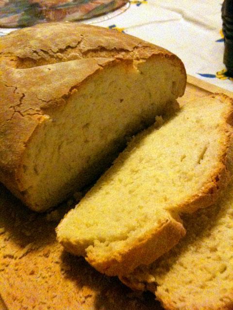 これはごくごく普通の、食事パン。