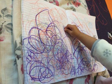 娘のお絵かきを見ていると、絵が進化していく過程がよく見える。