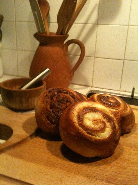 シナモンロールと、クリームチーズロール。イタリアではこういうパン売ってないから、自分で作るしかない!
