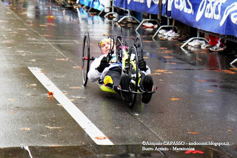 21^ Maratonina Busto Arsizio: Degna di nota anche la presenza in handbike dell'alpino Gianantonio De Bastiani