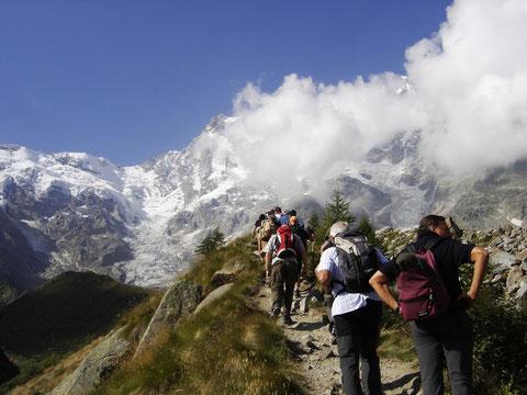 8 e 9 settembre 2012 - Alpini in gita a Macugnaga...            Escursione al rif. Zamboni (m 2050)