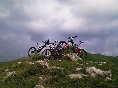 24 giugno 2012 ...in gita con gli amici bikers sopra a Brunate (CO)