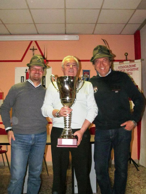 la coppa dei Campionati Bustesi 2012 è nostraaaaa!!!!!!!!!!!