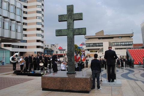 18 juin 2010: anniversaire de l'appel du Général de Gaulle, hôtel de ville de Créteil