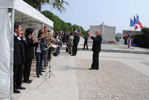 8 mai 2010: anniversaire de la victoire de 1945 au cimetière de Créteil