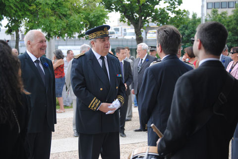 11 novembre 2011: anniversaire de l'armistice de 1918 au cimetière de Créteil