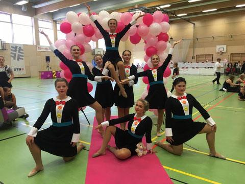 Between (TuS Meinerzhagen): Präsentierten ihren Tanz zu Mary Poppins