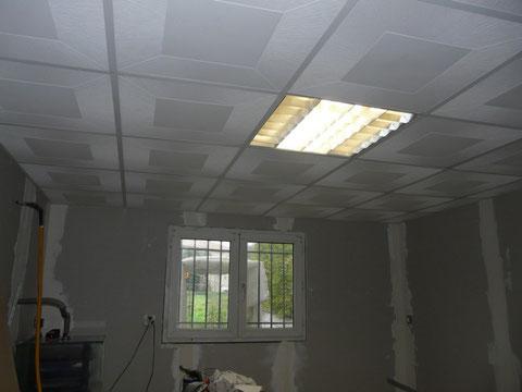 22 Novembre 2009 : Pose du faux plafond quasiment terminée !