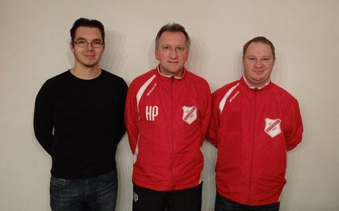Spartenleiter Fußball Michael Girbert präsentiert das Trainerteam Hans Prechtl / Dominik Dontschenko