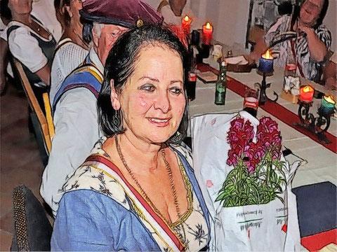 Die Edle Elzbeth von Alharting feierte Ihren Aufdieweltkommenstag...
