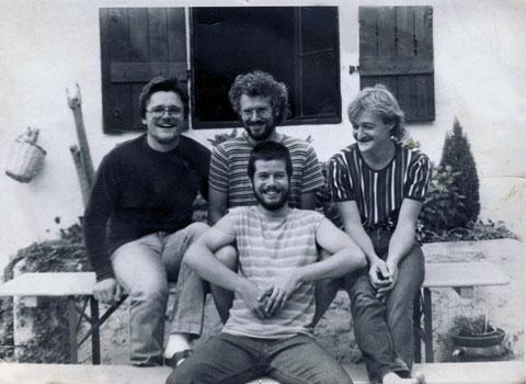 "v.l.n.r.: Marcus Müller (b), Berry Bäurle (dr, voc), Karl ""Kaller"" Seipel (g, voc), Walter ""Waldy"" Brand (g, voc)"