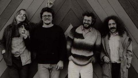 """v.l.n.r.: Martin Borm (g), Marcus Müller (b), Berry Bäuerle (dr, voc), Harry """"Kamikaze"""" Rothe (g)"""