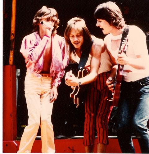 """Die Glitter Twins 1983: 1983: Buntes Programm mit vor allem Bunten Hosen !!!!!! v.l.n.r.: Peter """"Fips"""" Schmidt, Achim Schnall, Thomas Reußenzehn"""