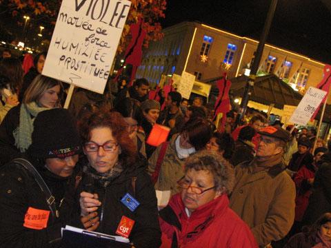 """""""Pas une de plus!"""" Manifestation de nuit contre les violences faites aux femmes, le 25 novembre 2007"""