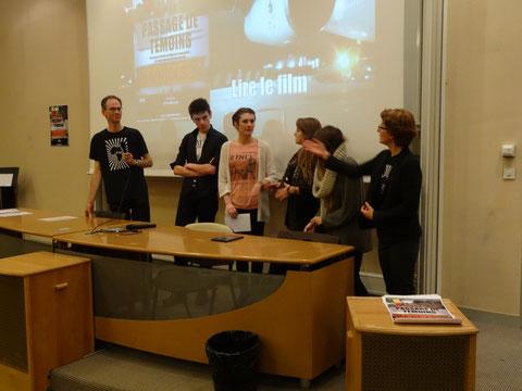 Soirée de présentation de MA-NIOCS et avant-première du film de Brice Vincent Passage de témoins, le 6 novembre 2013, amphi du Lycée Marceau. Certains des membres de MA-NIOCS ayant participé au voyage de juillet.