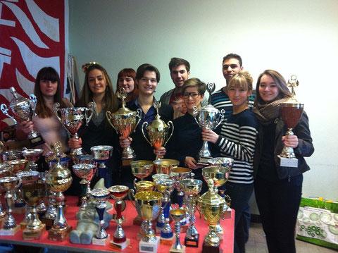 L'association des étudiants des prépas de Camille Vernet 2012-2013 surveille des coupes, encore des coupes, remportées pour différentes épreuves lors du challenge de l'étudiant