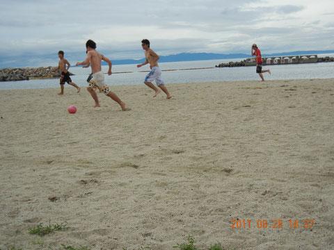 ビーチサッカー!