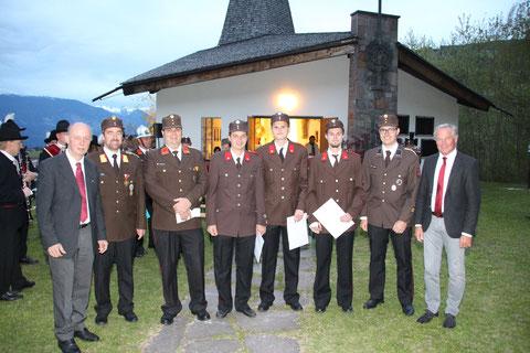 Beförderung zum Oberfeuerwehrmann: FM Manuel PETREGGER, FM Fabian MADER und FM Jannik KOHLHAUPT