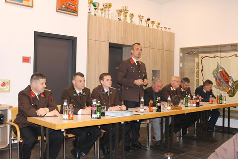KDT Stefan Lentner eröffnet die 79. Jahreshauptversammlung der FF Kolsass
