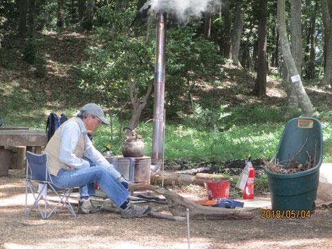 ストーブで使う薪の準備
