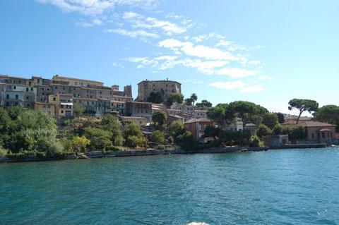 veduta di Capodimonte - Lago di Bolsena