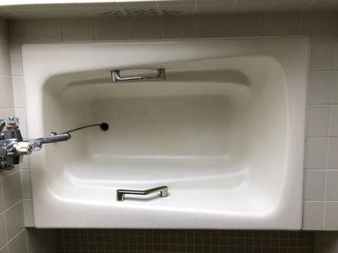 徳島県 鋳物琺瑯浴槽錆修繕、塗装