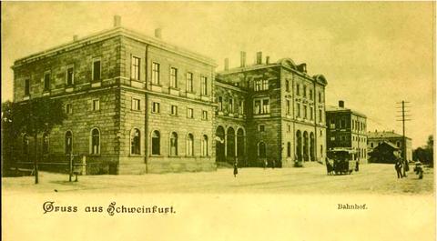Die Schweinfurter Pferdebahn vor dem Bahnhof Anfang des 20. Jahrhunderts - bitte vergrößern!