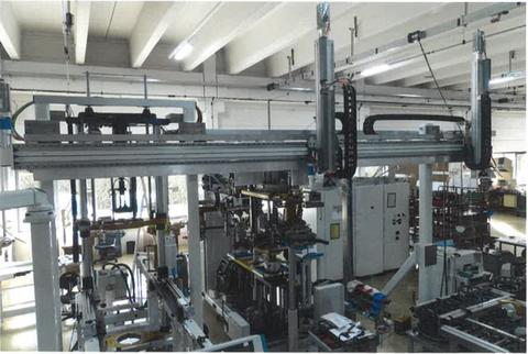 ANT - Lineareinheiten als Beladeportal an einer Kundenmaschine mit 7 m Länge
