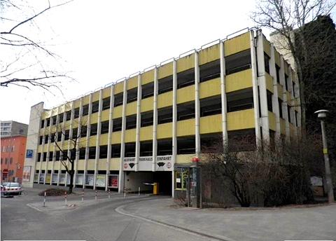 Auch bereits Vergangenheit - das Parkhaus Hadergasse an der Stadtmauer - 2012 - Foto: Dieter Bauer