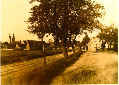 Östlicher Dorfeingang, von Gochsheim kommend in Schweinfurter Straße