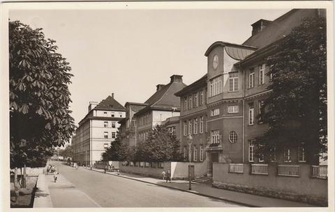 Ludwigschule mit Ludwigstraße