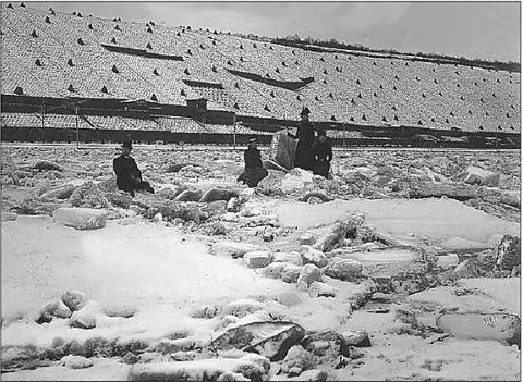 Auf dem zugefrorenen Main - 1901